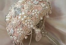 WEDDING BROOCH BOUQUETS / ELEGANT CUSTOM BROOCH AND JEWELED BOUQUETS:  Glambouquet.com
