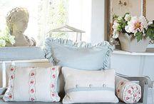 Sweet / Lieve en mooie meubels