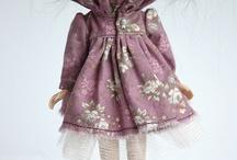 """Blythe (Блайз) куклы / Кукла Блайз родилась в 1972 году, её создательницей была Элисон Катцман. Производила Блайз компания """"Kenner"""", поэтому кукол 1972 года рождения называют Кеннер Блайз или винтажными Блайз. Но производство было прекращено в том же 1972 году из-за отсутствия спроса и возобновлено только в 2001 году японской компанией «Takara»."""