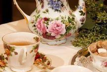 Rózsás teáskanna