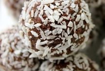 Protein Supplements and Shakes - Homemade Protein Balls / Protein supplements and homemade protein balls
