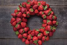 Christmas + Produce = Gift of Health / Healthy and beautiful Christmas or winter holiday ideas using fresh fruits and vegetables.
