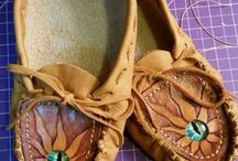 The Leather Smith of Lisle / Hand made creations by artist Bobbi Smith of the Leather Smith of Lisle