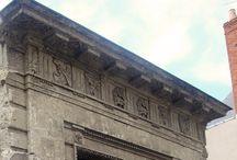 """La Maison Bossoreil - avant et pendant les travaux / Pour ouvrir ses portes en janvier 2014, la Maison Bossoreil à Angers va d'abord se refaire une beauté et jouer à """"avant-après""""."""