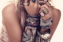 || hands look better with jewelry || / pearls, diamonds and ...