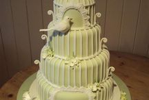 Awesome Cakes / by Lesli Crawford