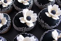 Cupcakes / by Lena Stefani