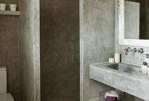 House | Tiny bathroom