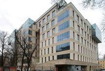 """Жилой дом на смоленском бульваре / Архитекторы: """"Остоженка""""/ Est-a-Tet/ 1058 000 руб. - 1 м2/ пластическое решение: разнообразная нарезка окон, градиент оконными проемами"""