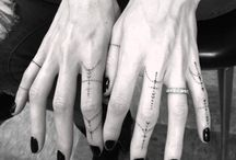Small Finger Tattoos / Finger tattoos are particularly likes by women and make a hot favorite among all age groups more at http://fabulousdesign.net/finger-tattoos/