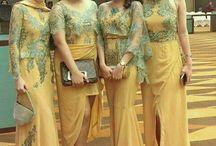 Gamis Brokat Kuning