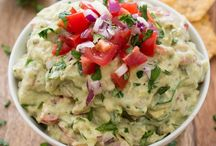 Healthy Guacamole Recipes / Start dipping into these approve guacamole recipes that are the healthiest available!