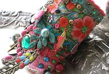 náměty- textilní a plstěná bižuterie