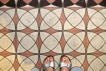 Baldosas hidráulicas, decoración actual del siglo XIX / Recopilación de diseños de estas baldosas de otra época que gracias a los pequeños fabricantes y diseñadores vuelven con fuerza. http://decoracionblog.com/baldosas-hidraulicas-decoracion-actual-del-siglo-xix/
