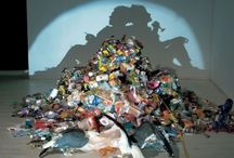 Tim Noble and Sue Webster / Two Artists who use rubbish to make detailed shadows