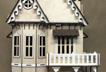Dollhouses & Miniatures