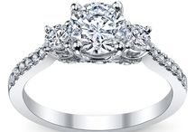 Rings :) / Engagement, Wedding band, Diamonds, Cuishion Cut, Halo, Solitaire / by Lauren Wright