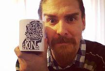 Instagram Io ho la tazza definitiva, grazie ad Ary <3 #bisognaesserebuonicazzo #kurtvonnegut :D  #buonnatale