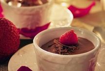 Scrumptous Desserts / by Jackie Heronema