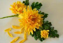 kvety na tortu / by Maria Fafuliakova