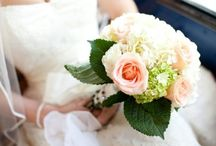 Wedding Flowers That WOW - Bouquets and Displays / Amazing floral wedding displays and bouquets for inspiration, and local florists for your big day to make your Lake George wedding even more stunning
