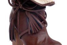 shoes // sapatos / shoes, sandals, boots sapatos, sandálias, botas / by André Ribeiro de Barros