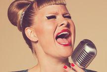 Grosser Modetag am 14.3.2014 / Mode, Beauty, Frühling, neue Trends und aktuelle Kollektionen von den grossen TOP-Geschäften im Emmen Center. 4 Modeschauen, live Sound von Nicole Bernegger (Gewinnerin The Voice of Switzerland), eine bezaubernde Moderatorin Sara Hildebrand (bekannt aus glanz&gloria) und ein grosser Beauty-Corner. KimMy ist natürlich auch vor Ort. Mehr Infos unter http://www.shopping-erleben.ch/blog/modegusto
