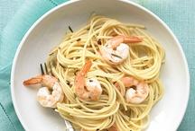 Recipes I Need to Try / by Danielle Medina