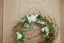 Wreath Design / Wreath Design Inspiration | Wedding Wreaths | Holiday Wreaths | Christmas Wreaths