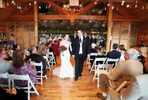 Winter Weddings at Mountain Springs Lodge / Snow and sleigh rides make winter a magical time to celebrate your wedding at Mountain Springs Lodge