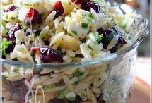 Salade d'ouzo, fêta et canneberges