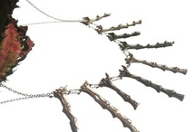 Art to Wear- Jewelry / Western artists blend silver, gold, precious and semi-precious stones, turquoise, coral, antique china, and other materials to create one-of-a-kind jewelry and accessory pieces.
