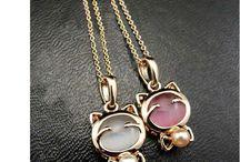 Nifty Necklaces / Necklaces / by Llama Burman