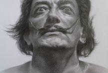 """Salvador Dalí _ Redesenho / Babi, seguimos norteados pela temática e proposta da Coleção Humanus, construindo um processo criativo de humanização destas figuras históricas no sentido de torná-las (elas e suas obras) reconhecíveis e acessíveis ao público. Uma abordagem que busca a desconstrução de valores excludentes, como o intelectualismo, eruditismo e elitismos.   No caso do Dalí, essa abordagem será guiada pelo conceito de """"IRONIA""""."""
