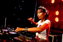 Famous Female DJs : Who are they? / Famous Female DJs : Who are they?