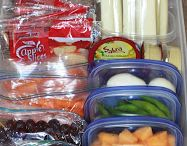 Busy Family Tips / Some tips and ideas on keeping and organizing a busy family home. Ideas on lunch prep.