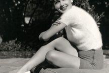 Maureen O'Sullivan / Maureen Paula O'Sullivan (17 May 1911 – 23 June 1998) was an Irish actress best known for playing Jane in the Tarzan series of films starring Johnny Weissmuller.