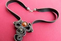gioielli zip, bottoni...capsule...riciclo / creare gioielli con fantasia e creatività!