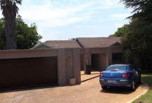 3 bedroom house in Edenglen / This beautiful home offer 3 well sized bedroom 3 modern bathrooms, 2 mes. Updated neat cherrywood kitchen. Separate dining room and leading onto a spacious lounge. 2 entertainment areas one of which is enclosed under thatch roofing which leads out to another patio and braai area, overlooking pool. This lovely property has excellent security, alarm system and beams in the garden. In walking distance to shops and gym and restaurants. Zoned for the best primary and high schools in the area.