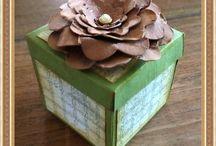 Handgemaakte doosjes door It Nifelhûske / Doosjes die zijn gemaakt door Leentje de Vos-Scheweer van It Nifelhûske