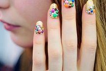 εκκεντρικά νύχια