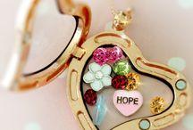 Jewelry / by Julia Grothen