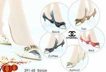Channel Import / Sepatu sandal Channel Impor hongkong   ukuran standar asia, jadi sama dengan ukuran yang biasa pakai   keterangan detail barang ada di masing masing gambar   Pemesanan harap cantumkan ukuran, warna dan gambar   Peminat serius hub hp/wa/line 087825743622