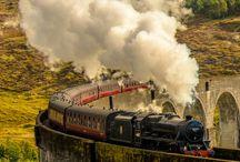 SNCF .réseau de train ancien .locomotive à vapeur .et autorails diesel .Retro