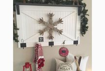 Christmas/Winter Decor / Festive Christmas/winter ideas for porch decor, vignettes, tablescapes, and fun crafts!