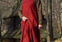 Amictus - Fashion in the 13th Century