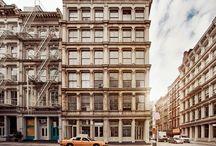 Soho - New York, USA / SoHo liegt mitten in Manhattan, wo die Welttraumstadt New York am kreativsten ist. Lofthäuser, in denen die Einfälle von morgen wohnen.