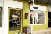 Olive Boutique / カイルアタウンの大人リゾートなセレクトショップ。 個性が光る家具と、集められたアイテムとのバランスが心地よい店内をつくり出しています。