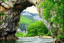Ardèche / Huur een luxe tent in de Ardèche. Kijk op www.luxetent.nl voor Safaritenten, Lodgetenten, Lodgesuites, Tipi's of Yurts / Gers op kleine campings en familie campings in de Ardèche.
