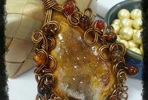 Druzy wire pendant
